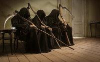 Смерть с косой сидит в очереди