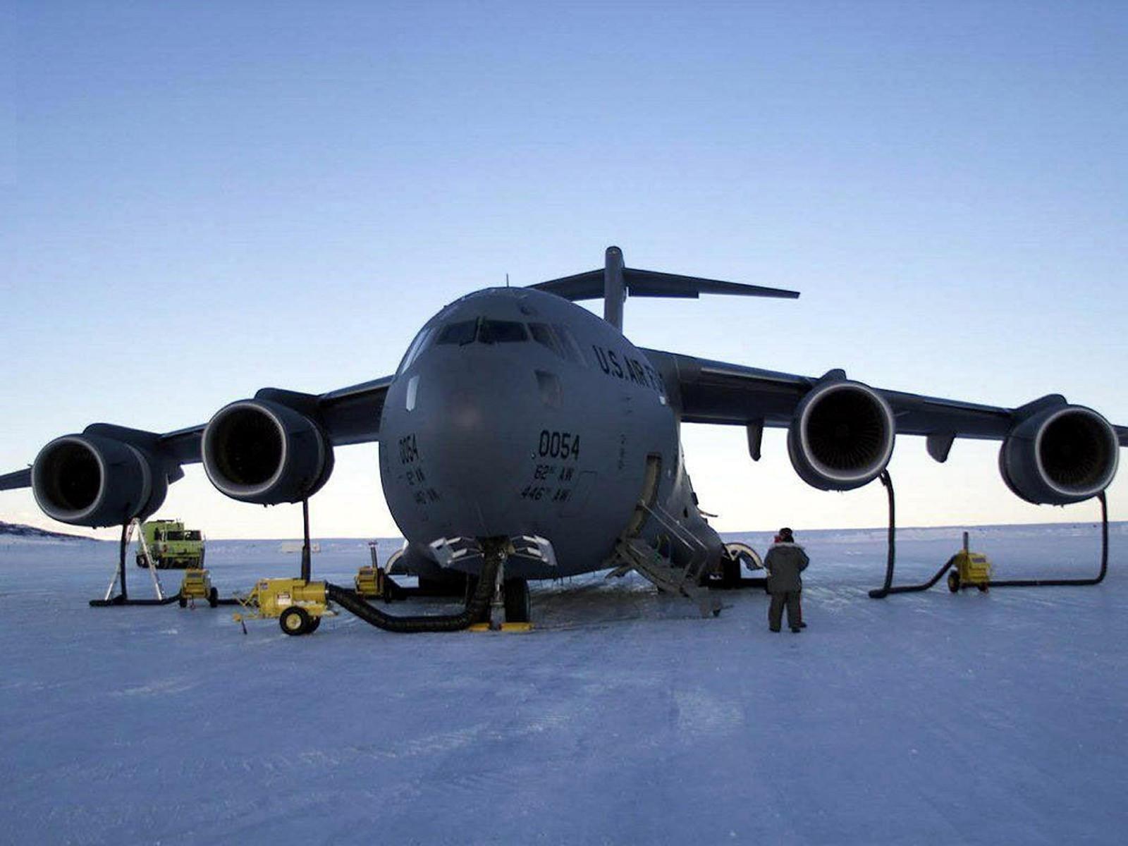 Боинг C-17 «Глоубмастер» III на севере