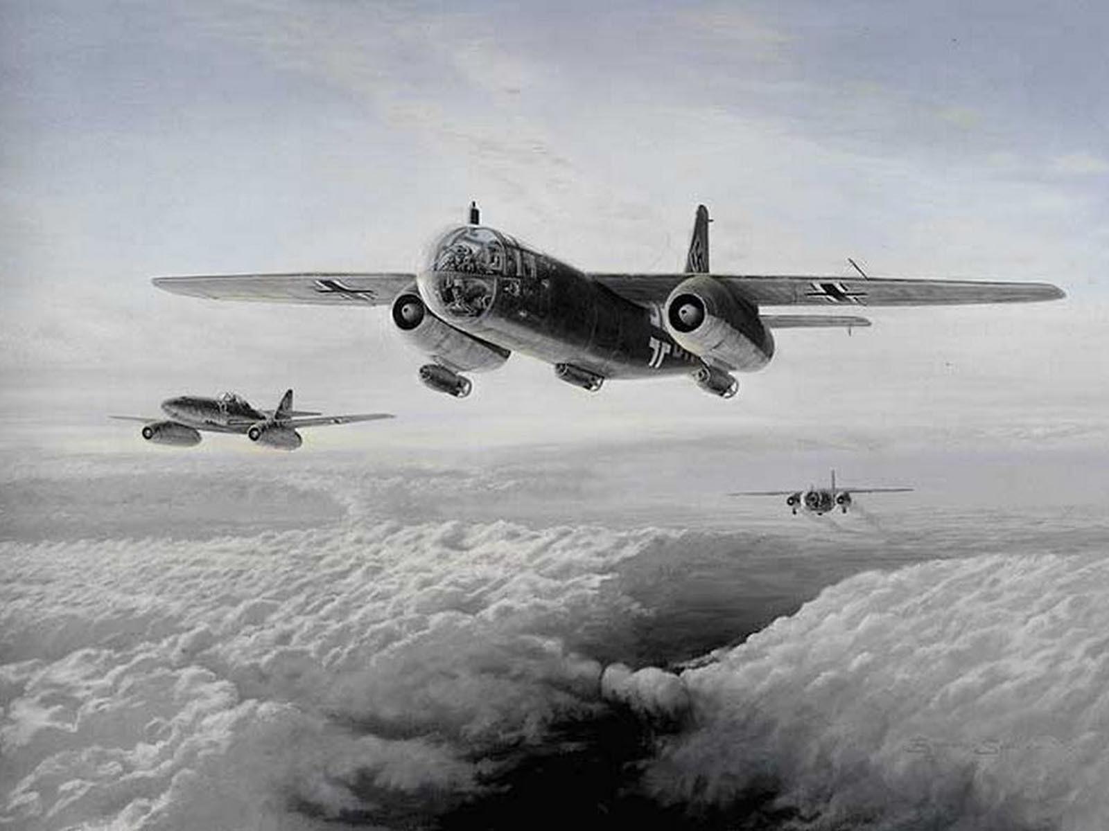 Немецкие грузовые самолёты в облаках