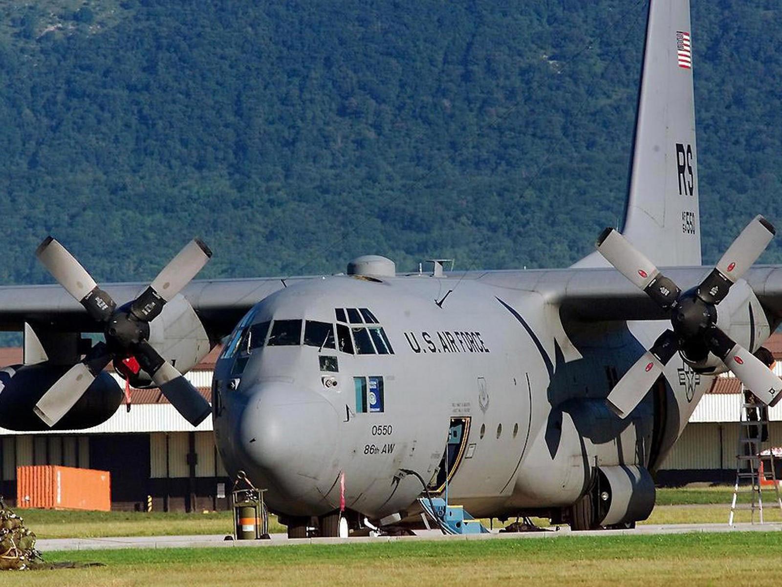 Большой транспортный военный самолёт
