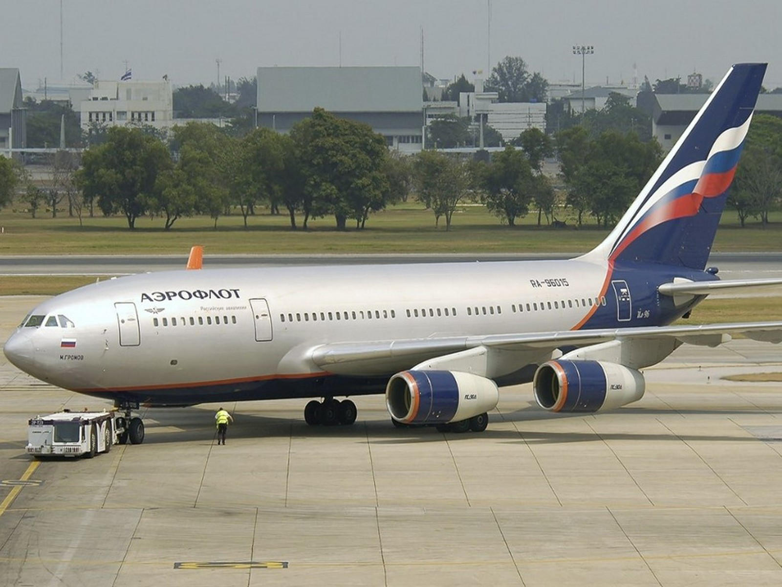 Самолёт Аэрофлота в аэропорту