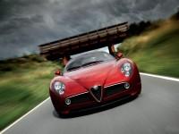 Изящный автомобиль Альфа Ромео на фото. Обои с автомобилями Alfa Romeo