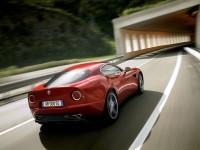 Изящное авто Альфа Ромео на картинке. Обои с автомобилями Alfa Romeo