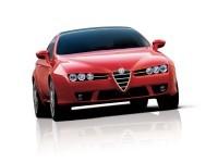 Изящная автомашина Alfa Romeo на фотографии. Обои с автомобилями Alfa Romeo