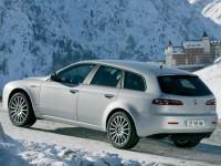Красивая машина Альфа Ромео на картинке. Обои с автомобилями Alfa Romeo