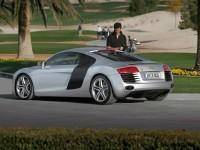 Автомобиль Ауди на великолепной фотообои. Обои с автомобилями Audi