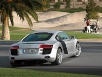 Машина Audi на фотообои. Обои с автомобилями Audi
