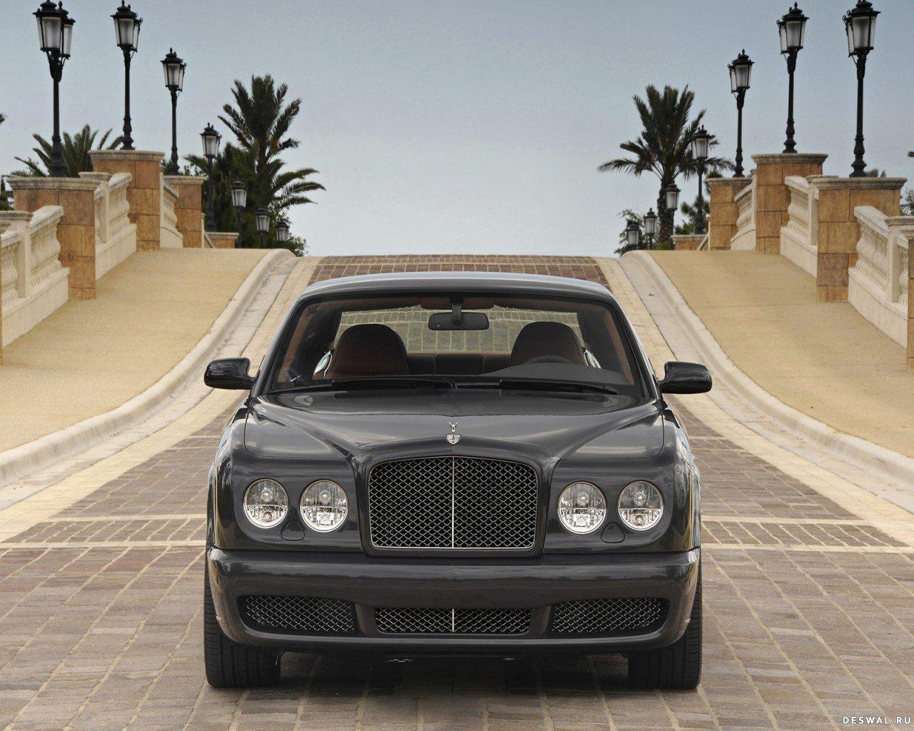 Автомашина Bentley на качественной фотографии, Нажмите на картинку с обоями автомобиля bentley, чтобы просмотреть ее в реальном размере
