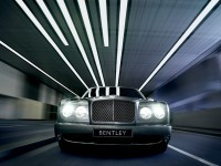 Красивый автомобиль Bentley на обои. Обои с автомобилями Bentley