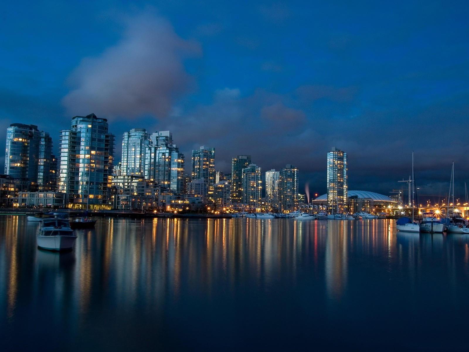 Ванкувер в сумерках, Канада