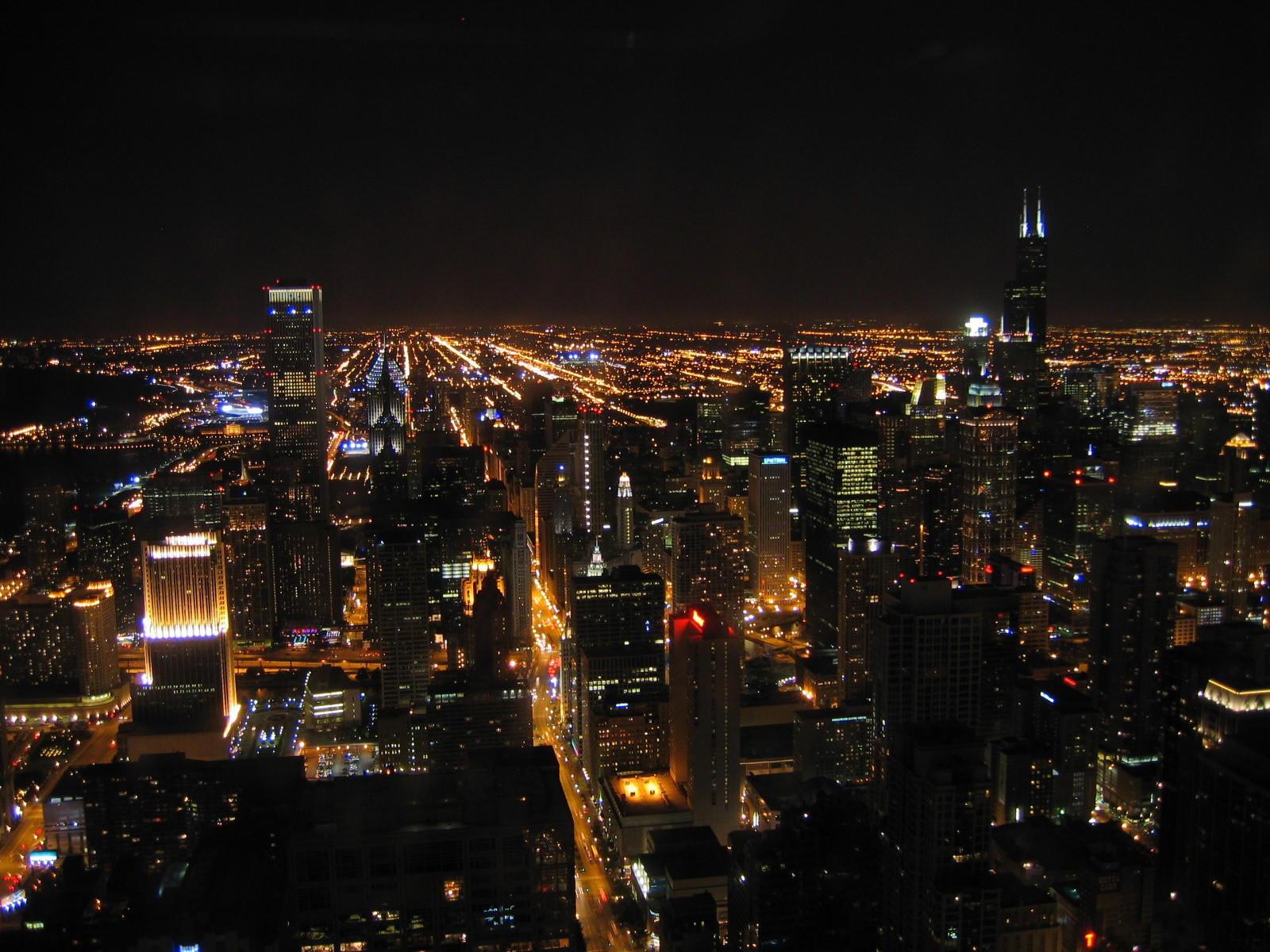 Нью-Йорк в городских огнях, ночью