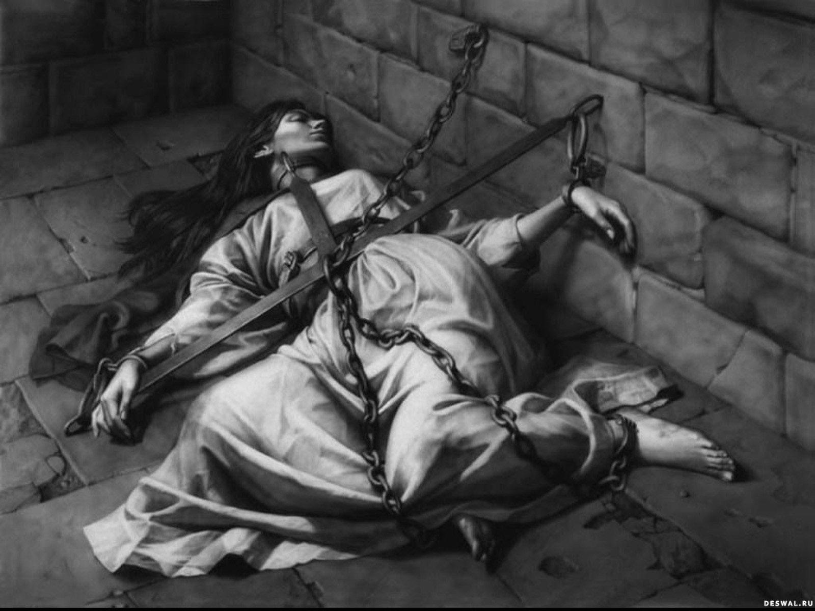 Пытки девушек в кандалах 11 фотография