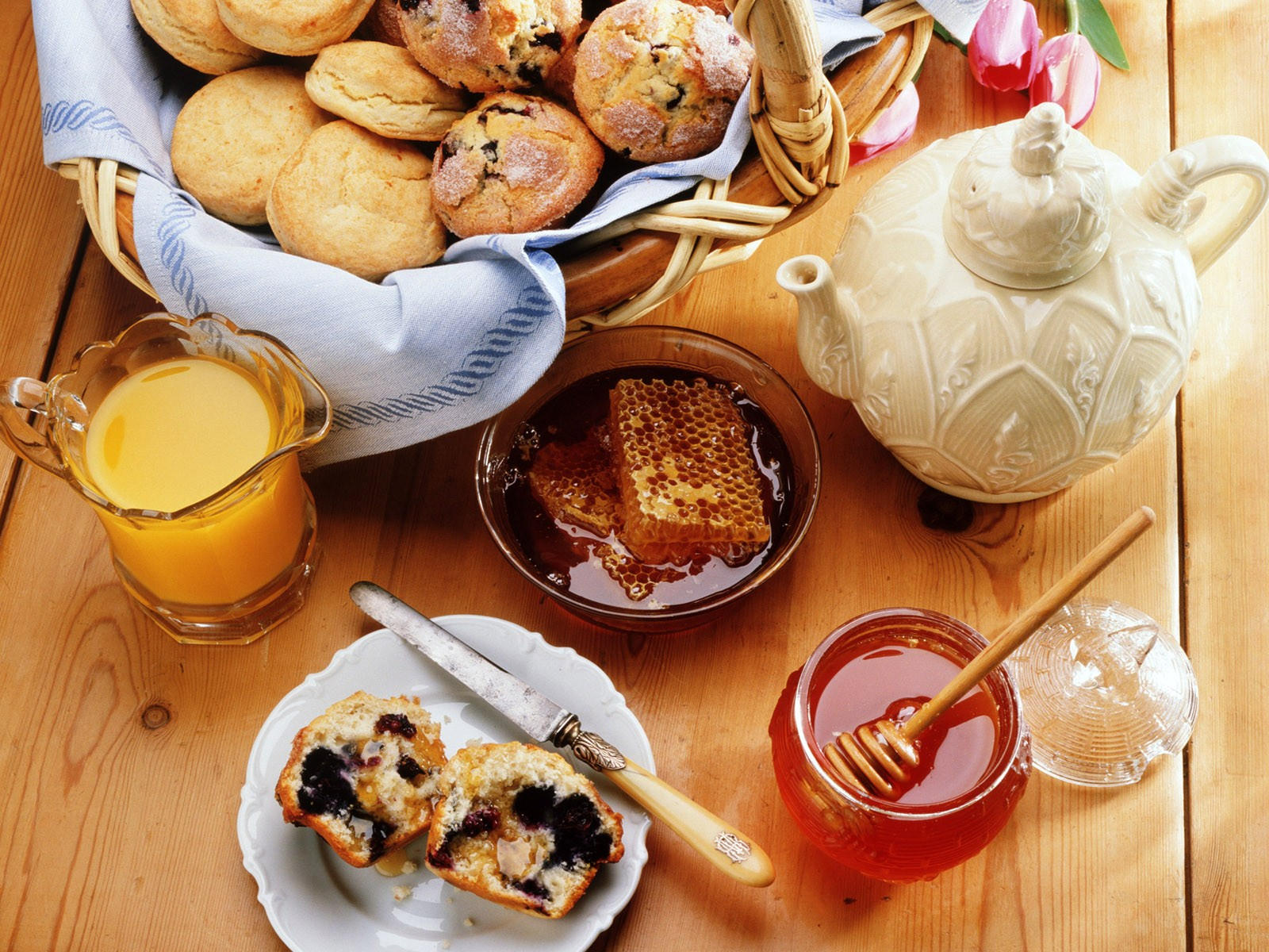 Чай с печеньем и медом