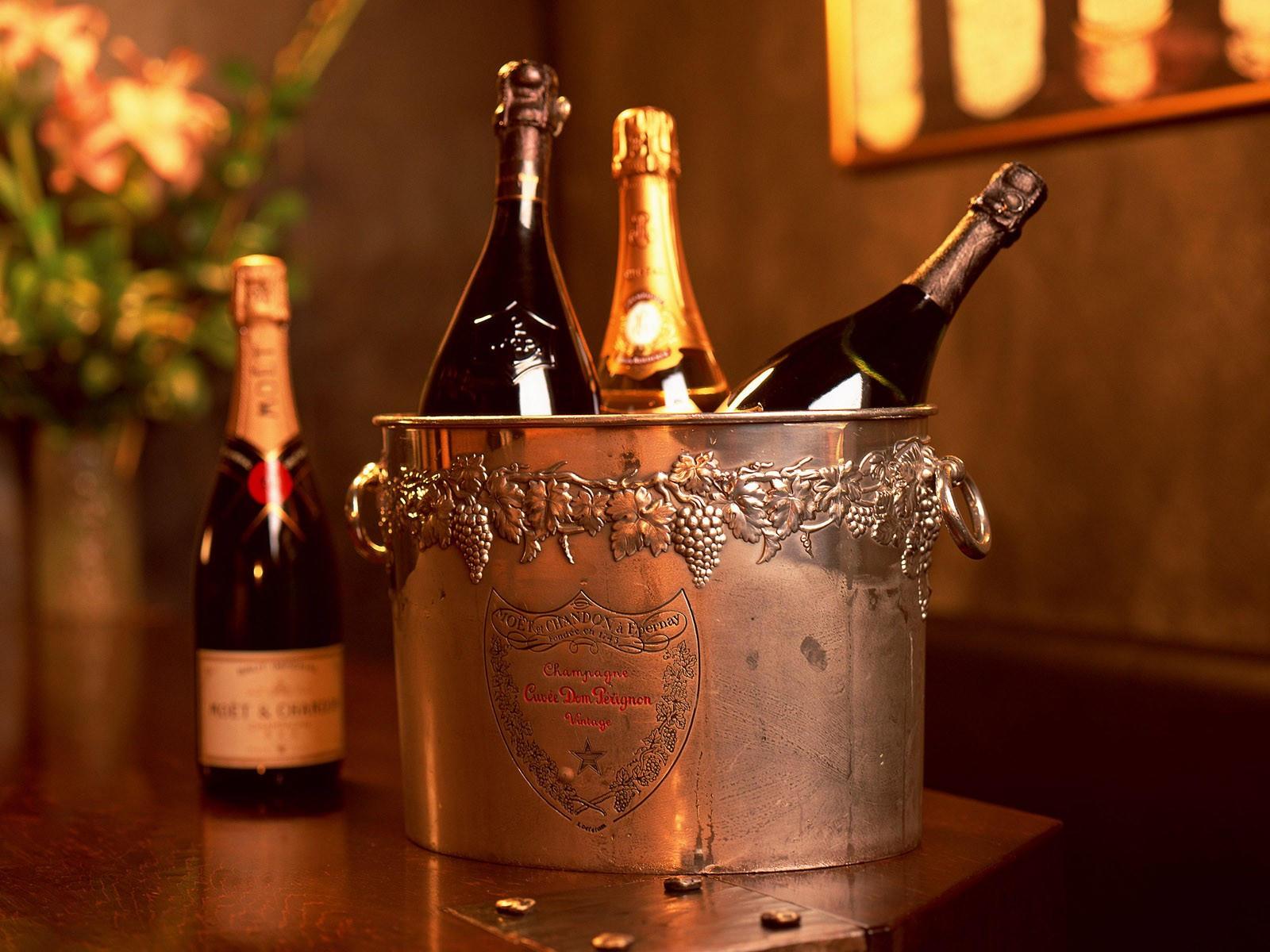 Шампанское в ведерке