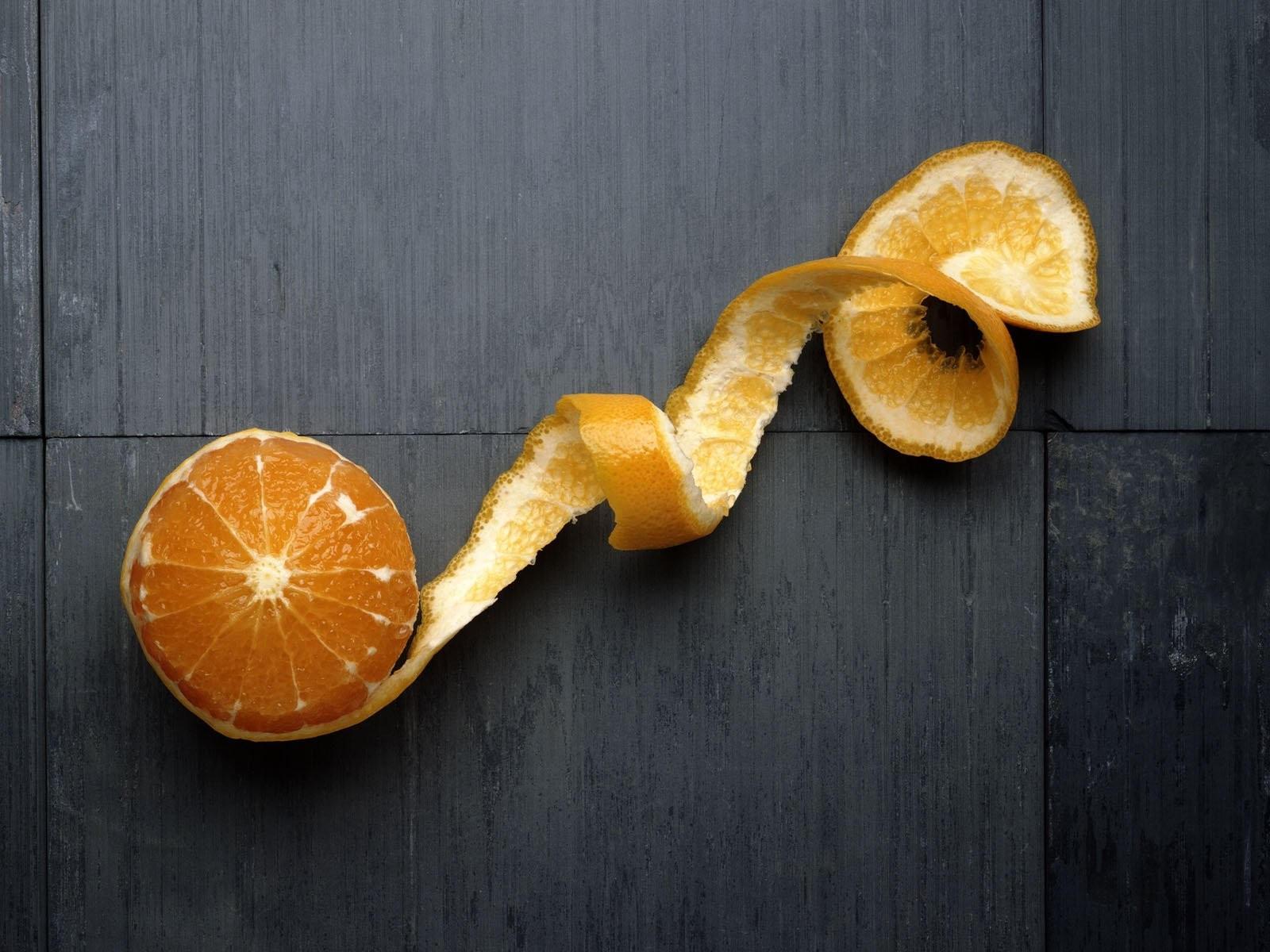 Апельсин с кожурой