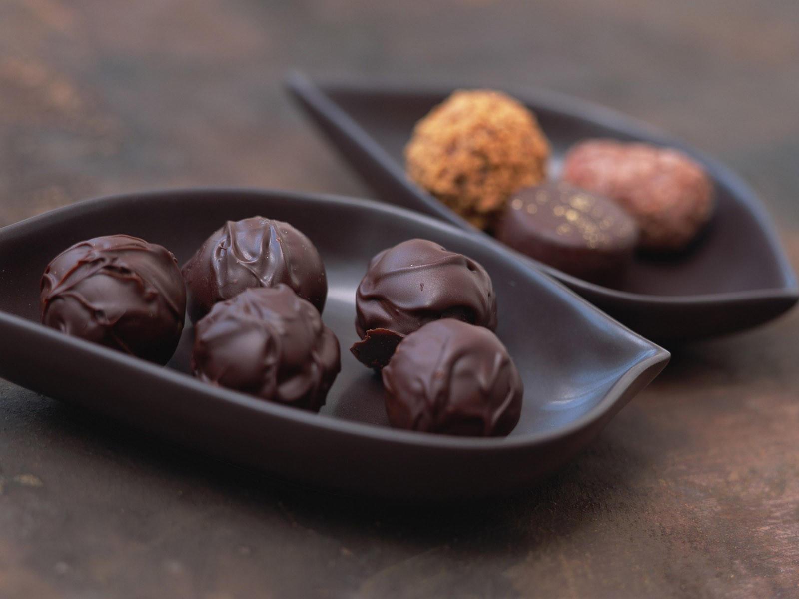 Конфеты в шоколадной форме