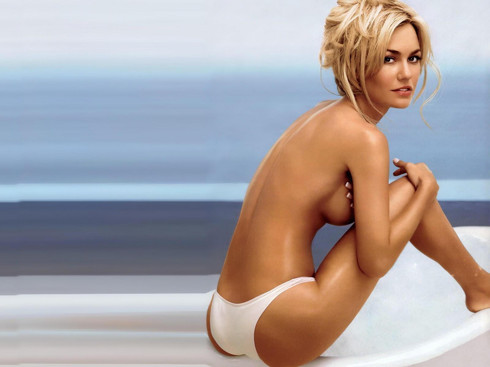 Фото блондинак в белых трусиках 20 фотография
