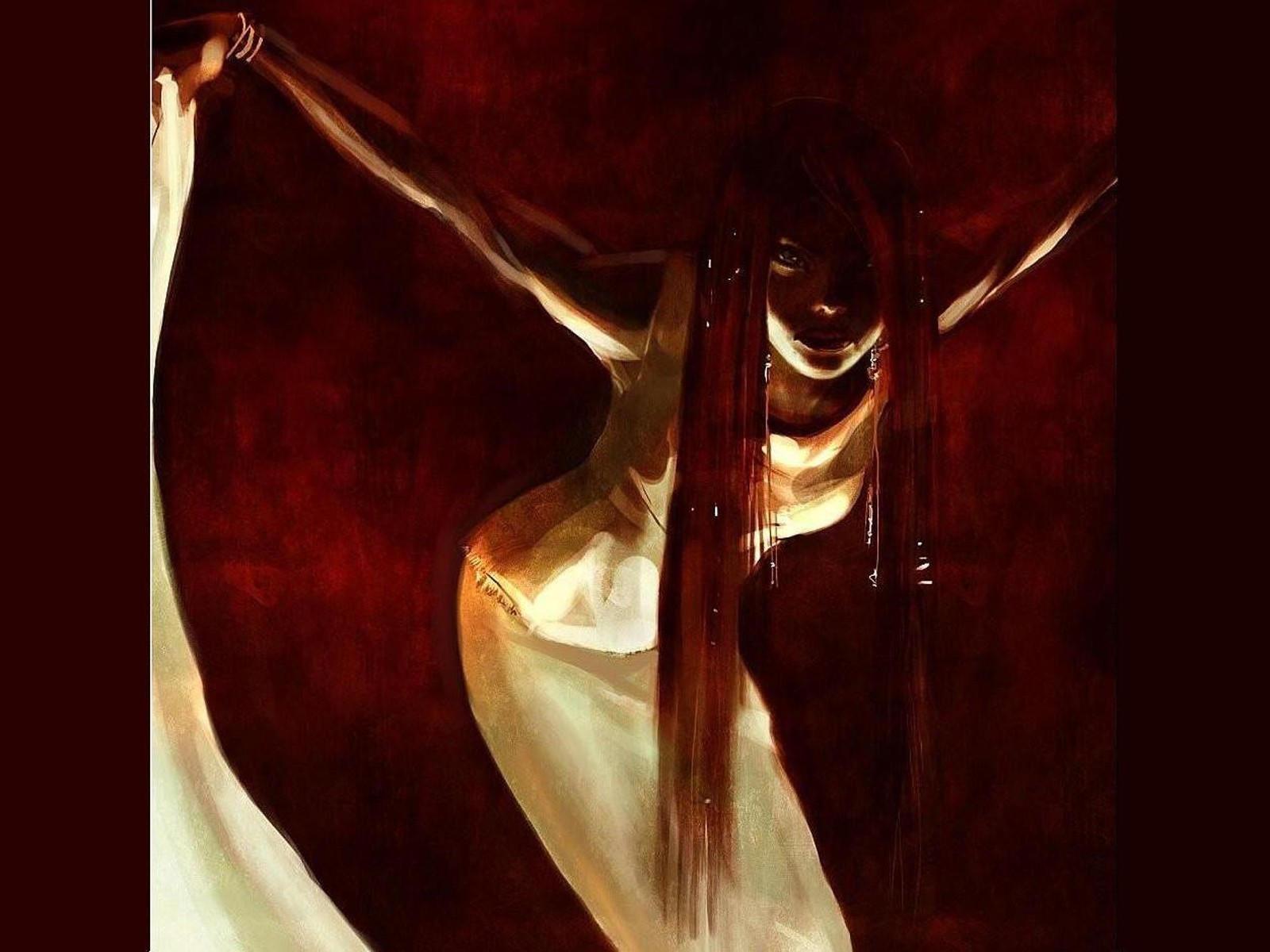 Девушка с длинными волосами в белом платье