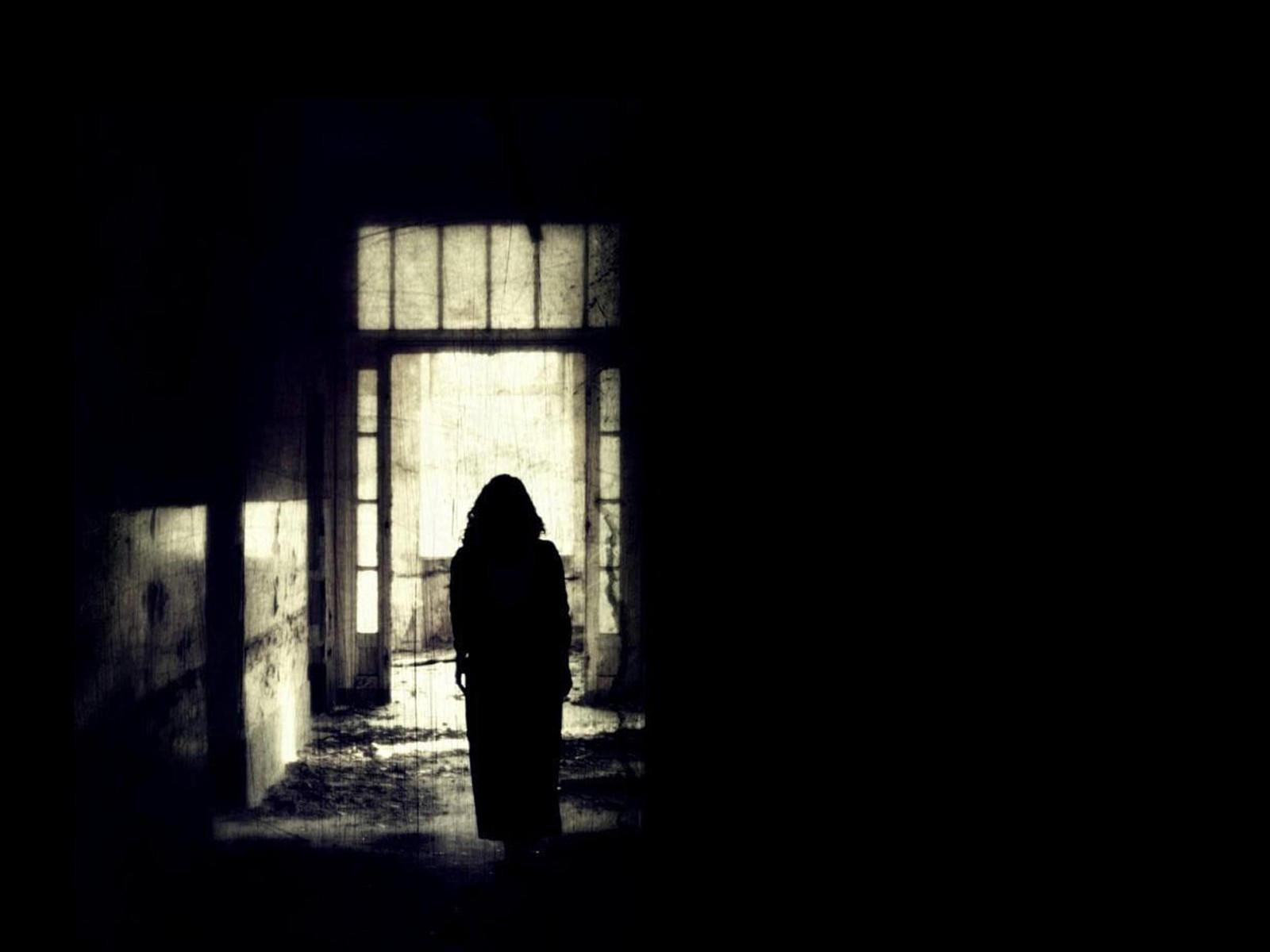 Фэнтезийный мрачный фон