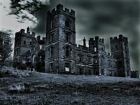 Мрачные стены заброшенного замка