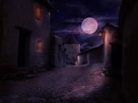 Темные улочки в полнолуние