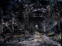 Развалины темного тунеля