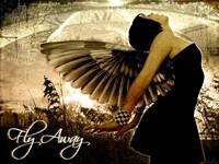 Темная девушка с крыльями