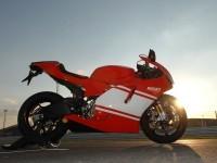 Мото Дукати на фотографии.. Обои мотоцикла Ducati