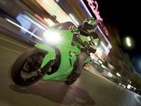 Мото Kawasaki на халявной фотообои.. Обои мотоцикла Kawasaki