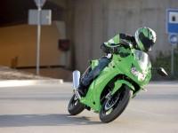 Мотоцикл Kawasaki на отличной картинке.. Обои мотоцикла Kawasaki