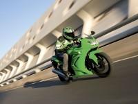 Изображение мото Kawasaki на картинке.. Обои мотоцикла Kawasaki