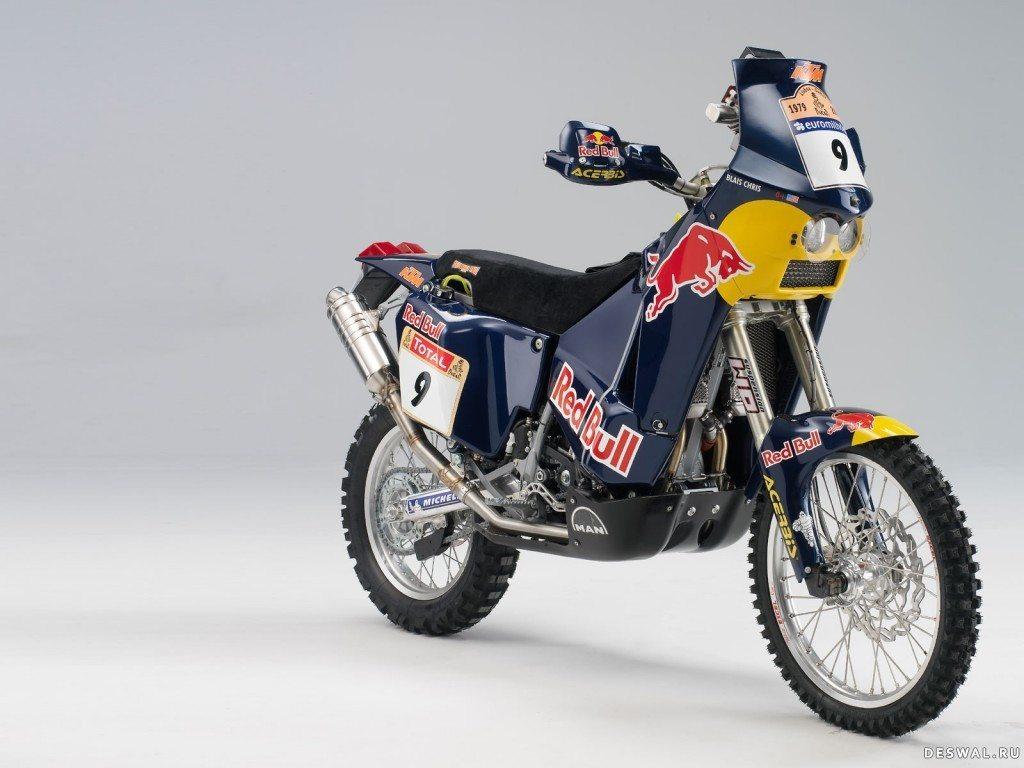 КТМ на хорошей картинке. Нажмите на картинку с обоями мотоцикла ktm, чтобы просмотреть ее в реальном размере