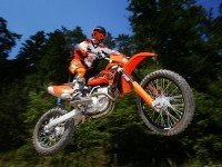Мото KTM на великолепной картинке. Обои мотоцикла KTM