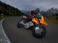 КТМ на халявной фотографии. Обои мотоцикла KTM