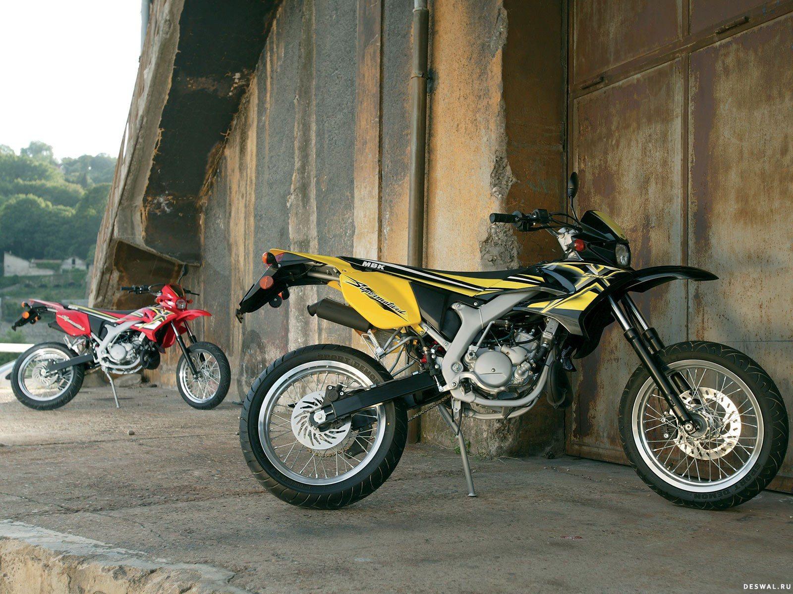 Мото МБК на замечательной фотообои. Нажмите на картинку с обоями мотоцикла mbk, чтобы просмотреть ее в реальном размере