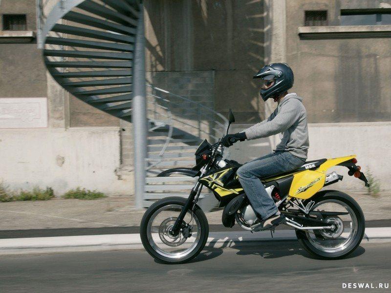 МБК на обои. Нажмите на картинку с обоями мотоцикла mbk, чтобы просмотреть ее в реальном размере
