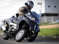 Мотоцикл Пиаджио на великолепной обои. Обои мотоцикла Piaggio