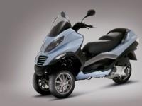 Мотоцикл Пиаджио на качественной фотографии. Обои мотоцикла Piaggio