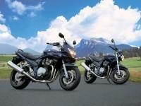 Мотоцикл Suzuki на классной фотообои. Обои мотоцикла Suzuki