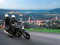 Изображение мотоцикла Suzuki на фотографии. Обои мотоцикла Suzuki