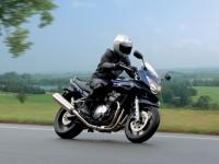 Картинка мото Сузуки. Обои мотоцикла Suzuki