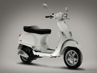 Мотоцикл Веспа на великолепной фотографии. Обои мотоцикла Vespa