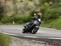 Vespa на фото. Обои мотоцикла Vespa