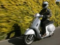 Мото Vespa на отличной фотографии. Обои мотоцикла Vespa