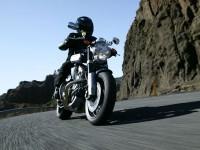 Изображение мотоцикла Yamaha на фотографии. Обои мотоцикла Yamaha
