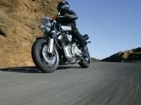 Изображение мото Ямаха на фотографии. Обои мотоцикла Yamaha