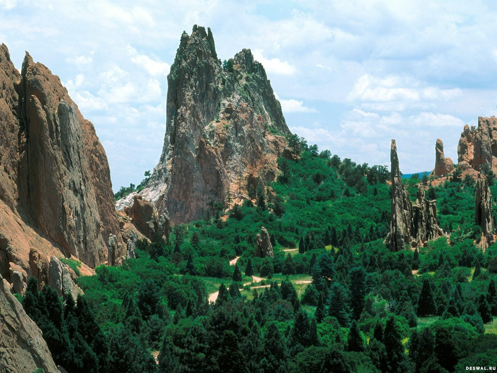 Фото 7.. Нажмите на картинку с обоями природы - скалы и камни, чтобы просмотреть ее в реальном размере