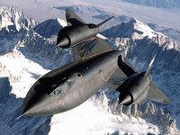 Сверхзвуковой Lockheed SR-71 над снежными горами