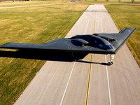 Бомбардировщик Spirit B-2 на аэродроме