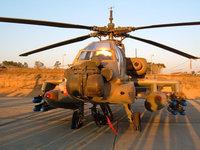 Вертолёт военный на аэродроме